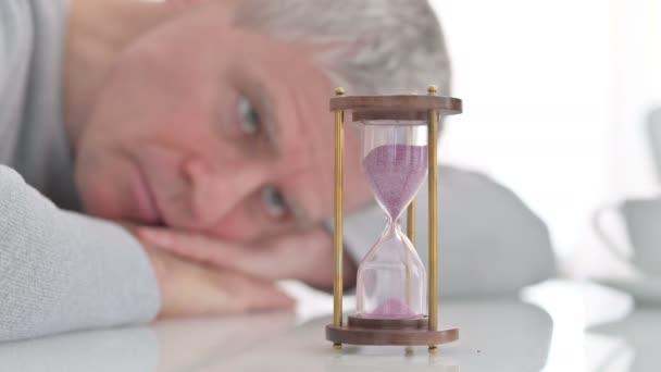 Satu Jam Stok Video Satu Jam Rekaman Bebas Royalti Depositphotos