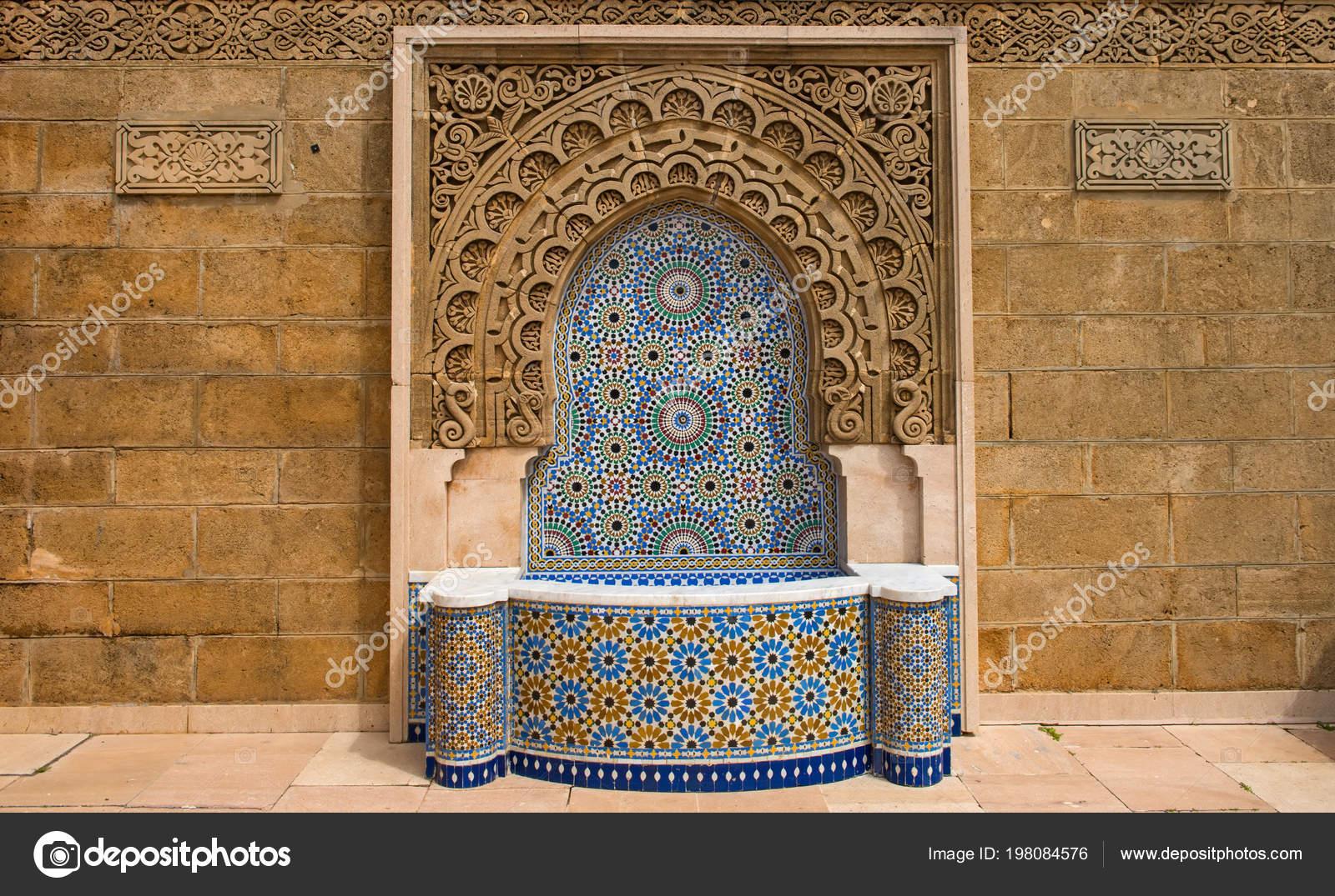 Fontana di marocco decorato con piastrelle a mosaico a rabat u2014 foto