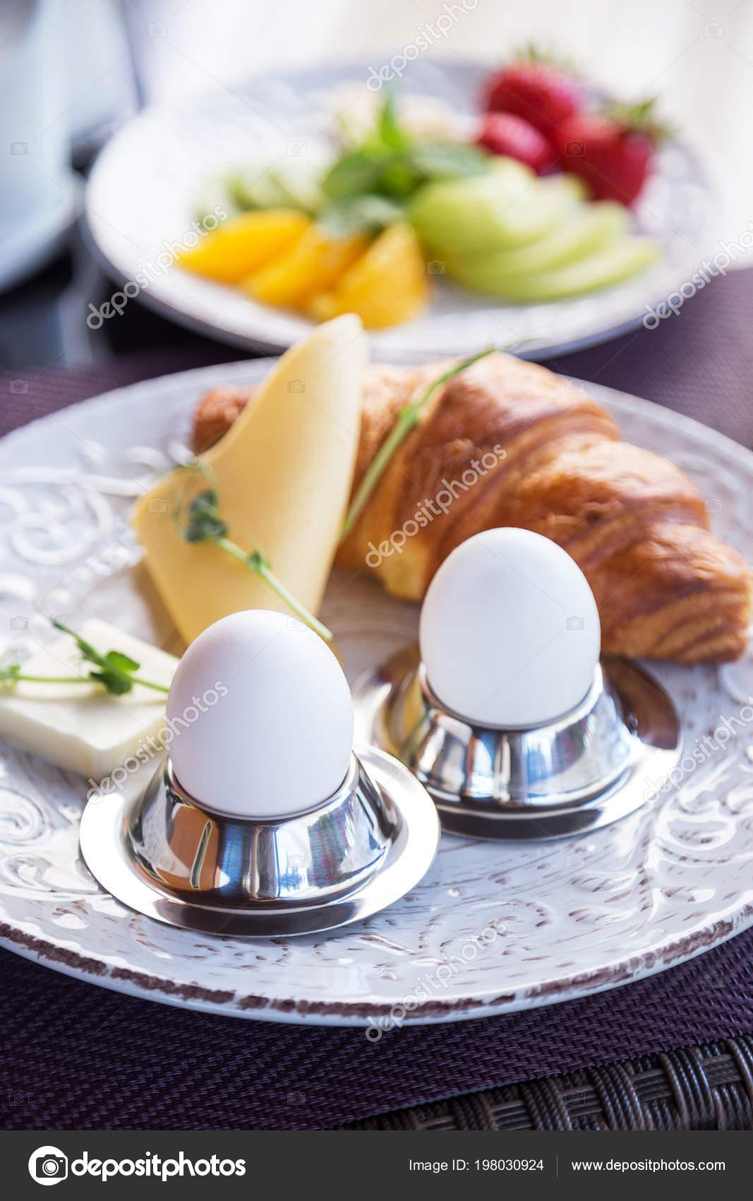 Bouillir Les œufs Sur Les Stands Croissant œufs Durs