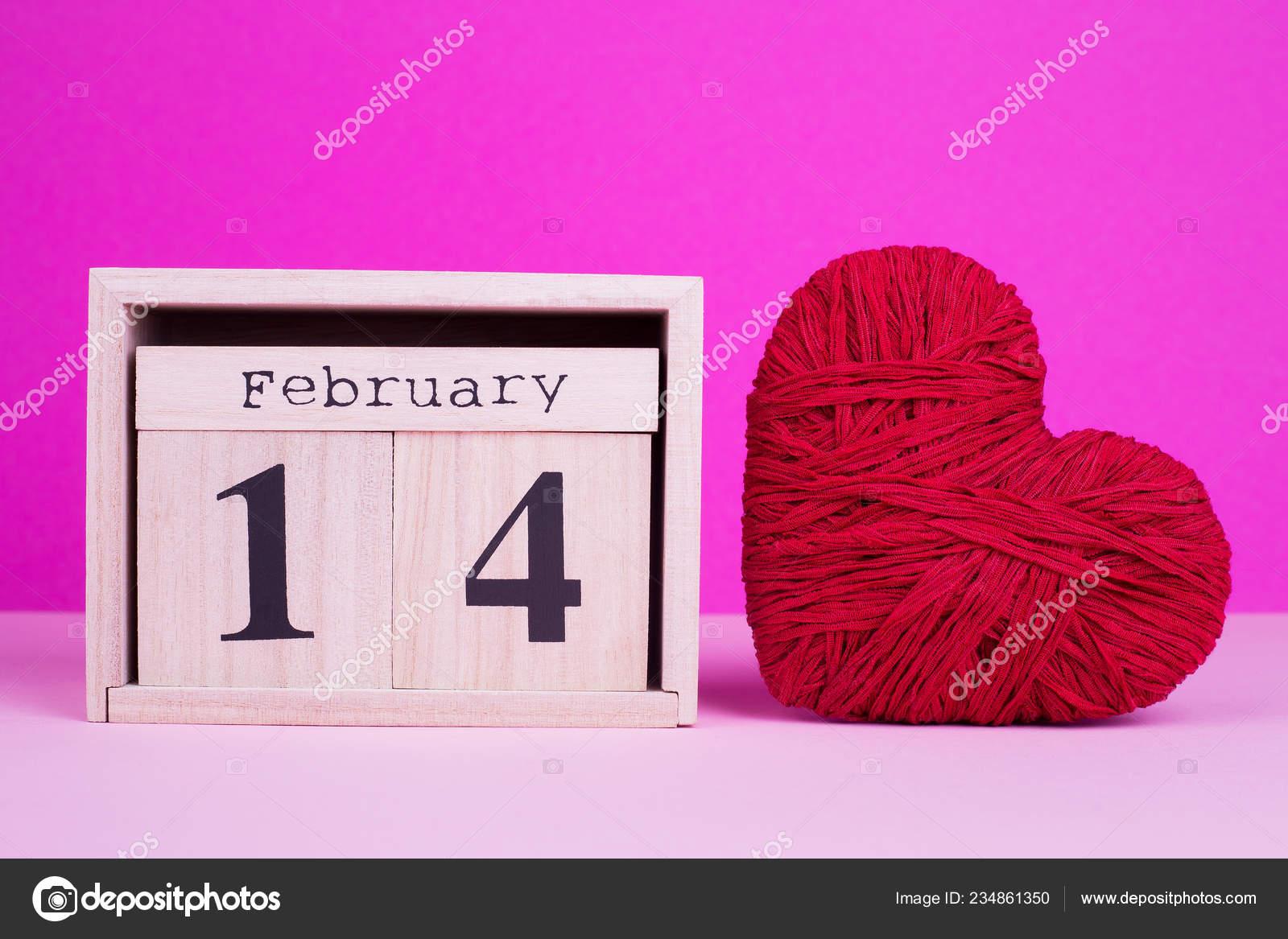 Calendario Ua.Febrero Corazon Del Calendario Rojo Calendario Madera Corazon