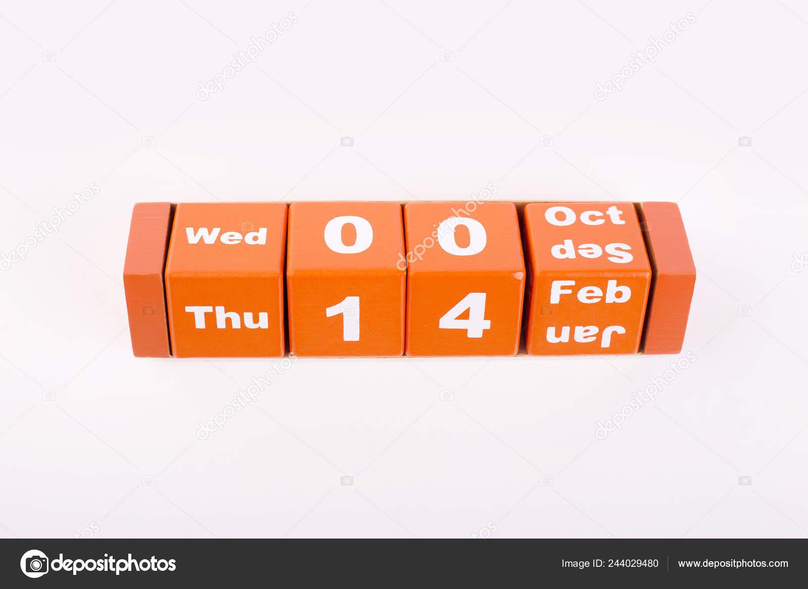 Calendario Ua.Calendario Madera Aislan Febrero Calendario Naranja Madera Sobre