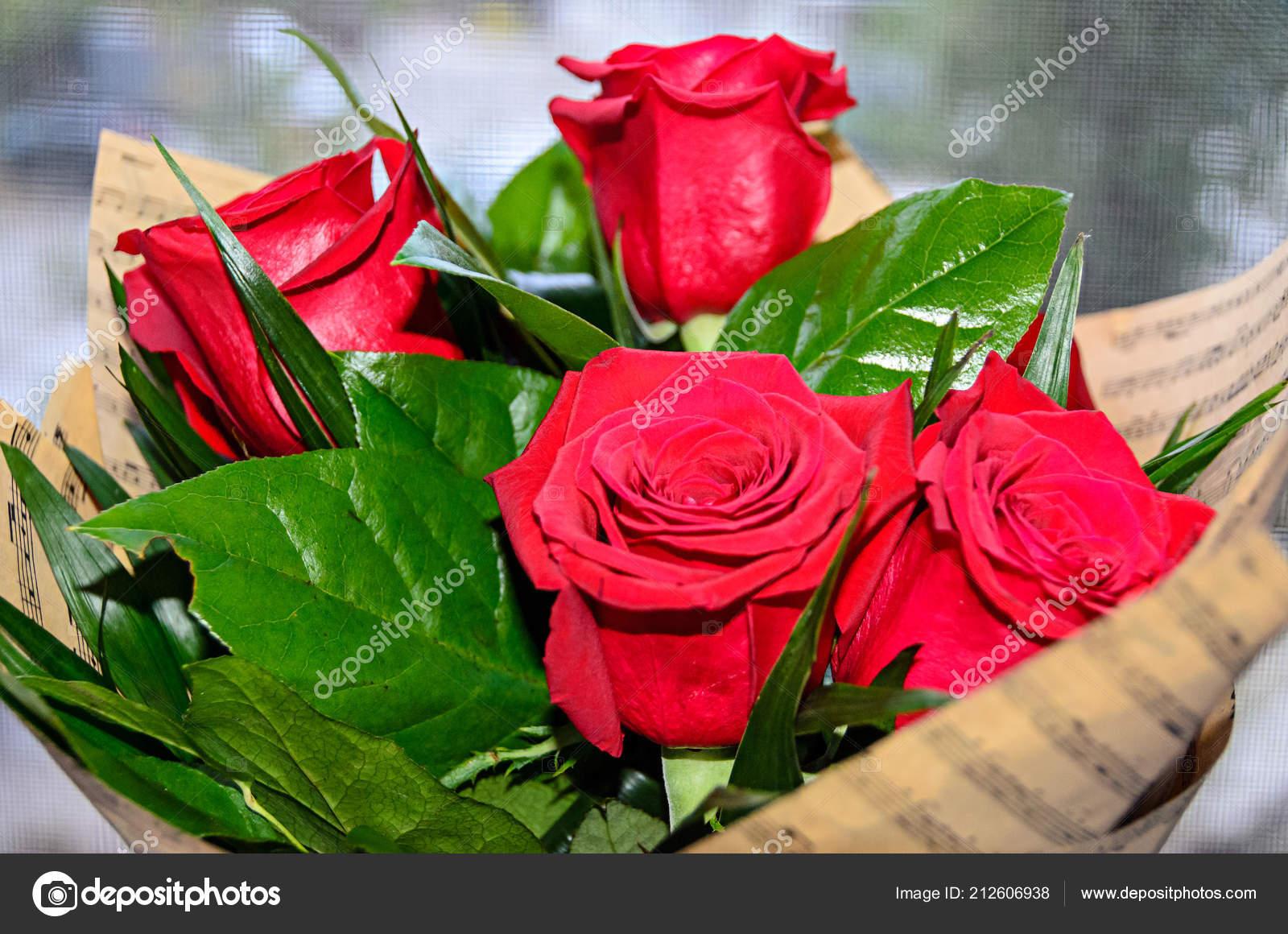 Bouquet Rouge Roses Fleurs Bouchent Couverture Papier Green Leafs