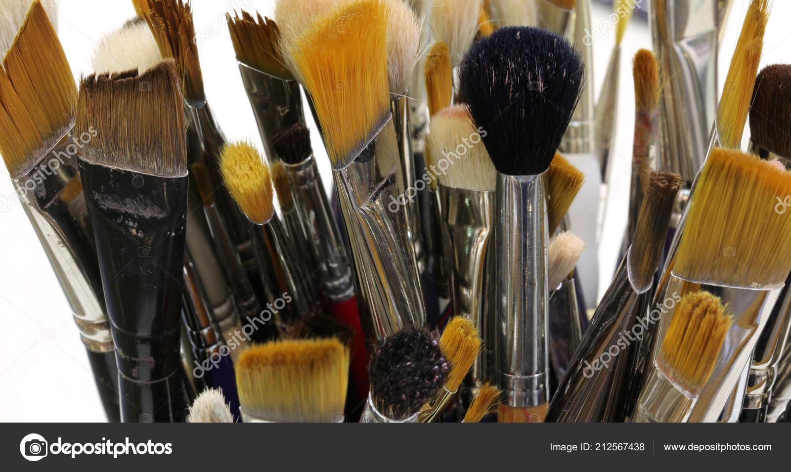 Many Ruined Brushes Sale Painter — Stock Photo © ChiccoDodiFC  212567438 f05bc56ae51c