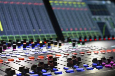 digital sound mixer with displays