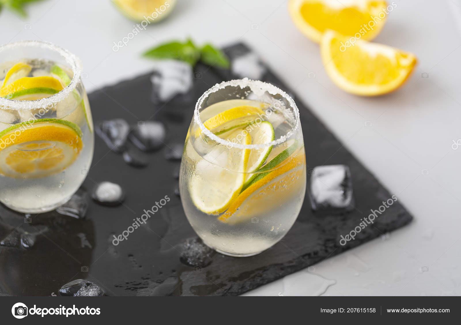 Refreshing Summer Cocktail Lemon Lime