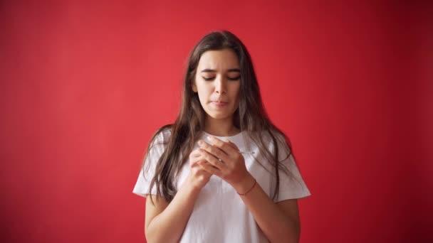 Видео менструация у девушек — 3