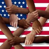 Fotografie Amerikanische Vielfalt Teamwork als eine Gruppe von unterschiedlichen Vereinigten Staaten Menschen holding Arme als eine multirassische Gesellschaft und multikulturelle Gemeinschaft beigetreten und als ein starkes Konzept zusammen und miteinander vereint.