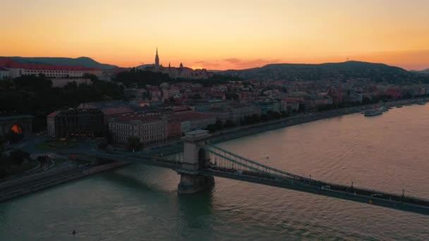 Budapest, Magyarország-május, 2019: antenna a Budapest történelmi központjától gyönyörű építészeti kilátással.