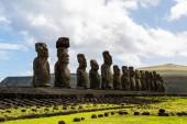 AHU Tongariki a legnagyobb Ahu a Húsvét-sziget
