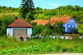 Tipikus vidéki táj és parasztházak Beia, Erdély, Románia. A települést a szász telepesek alapították a 12. század közepén.