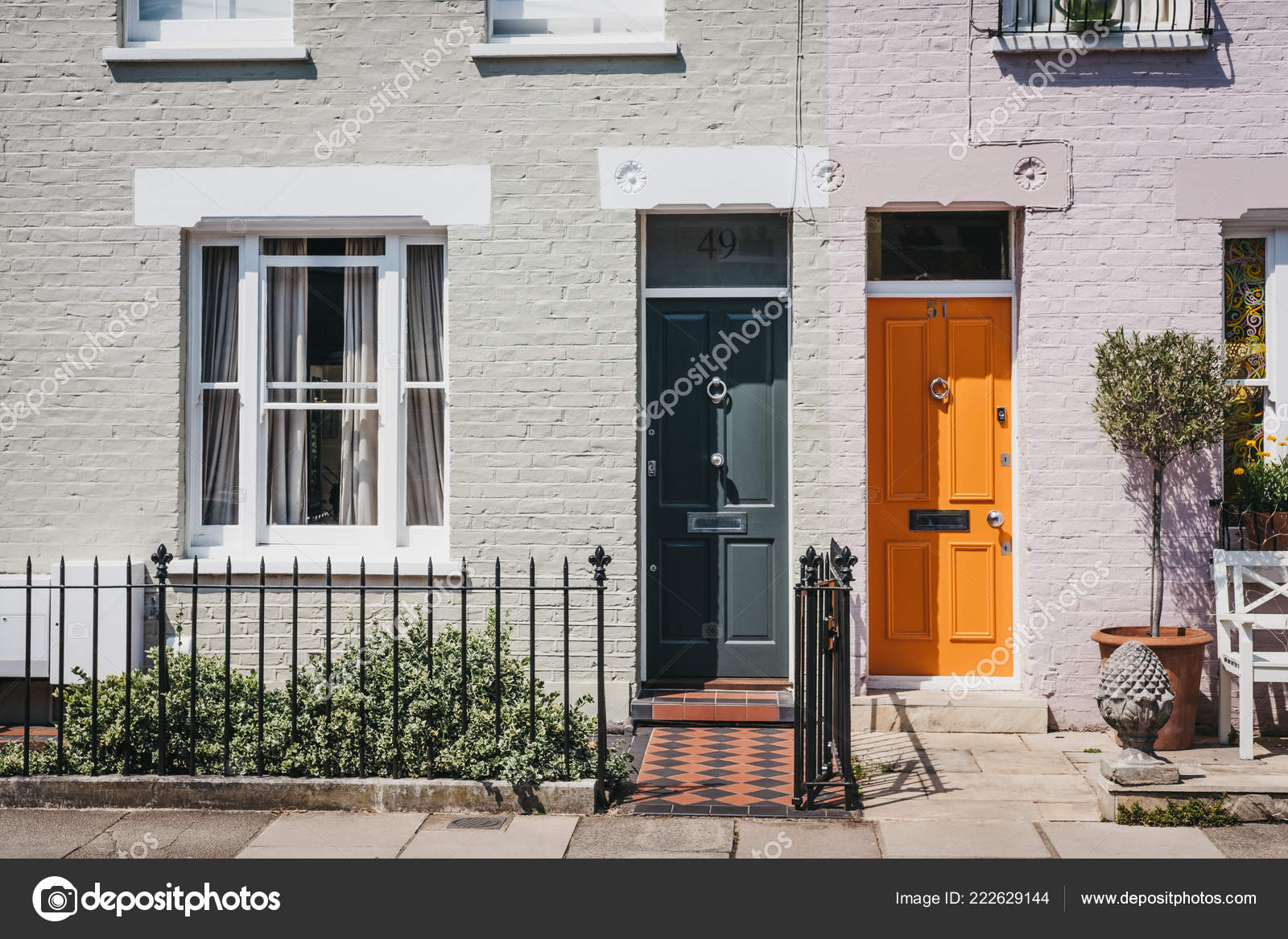 London August 2018 Traditional Colourful Bright Doors Houses Barnes