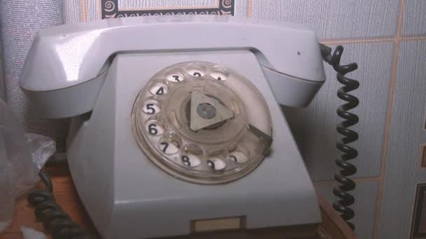 detailní pohled na staré telefonní vytáčení