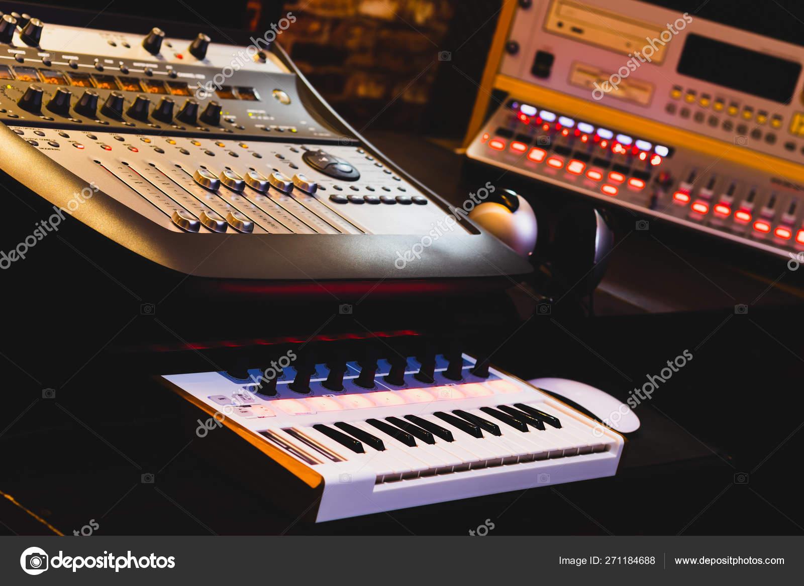 Professional Music Production Equipment Home Studio — Stock