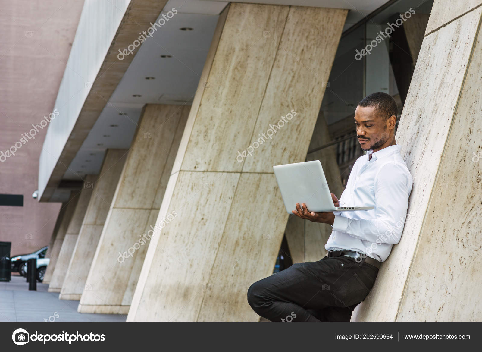 fbf2bc80ae Young African American Businessman Beard Working New York Wearing White —  Stock Photo