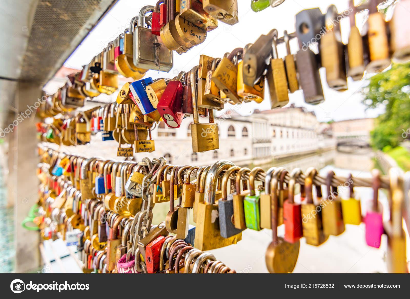 Brucke Ljubljana Stadt Mit Schlossern Als Symbol Der Liebe