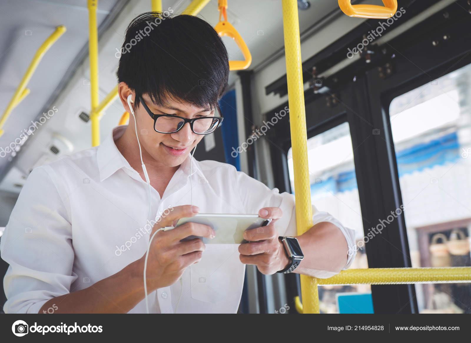Смотреть в автобусе, порно ролики доминантов