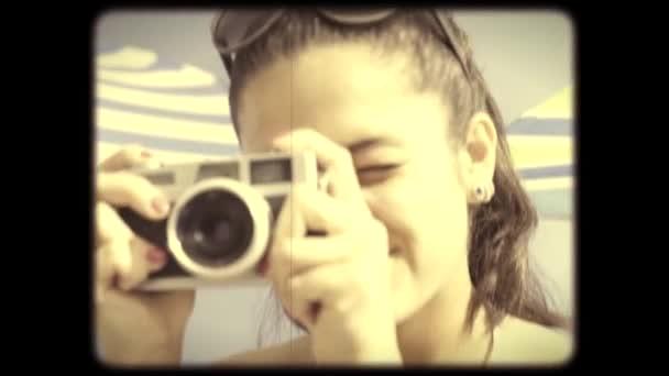 Aranyos lányok fotózni, és pózol Vintage felvételeket