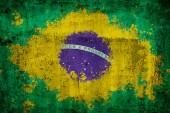 Vlajka Brazílie na staré rezavé kovové pozadí