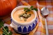 Fotografia zuppa di zucca fatti in casa delizioso in ciotola