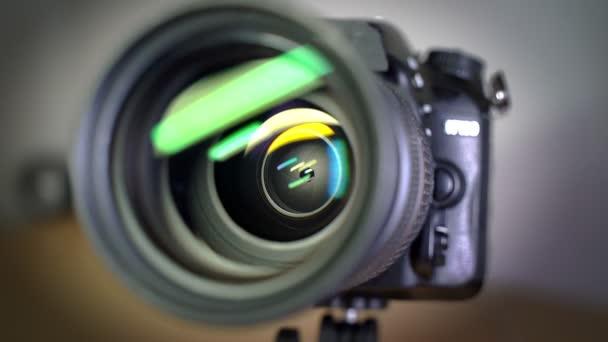 Lamel clony, otevírání a zavírání clony objektivu kamery foto