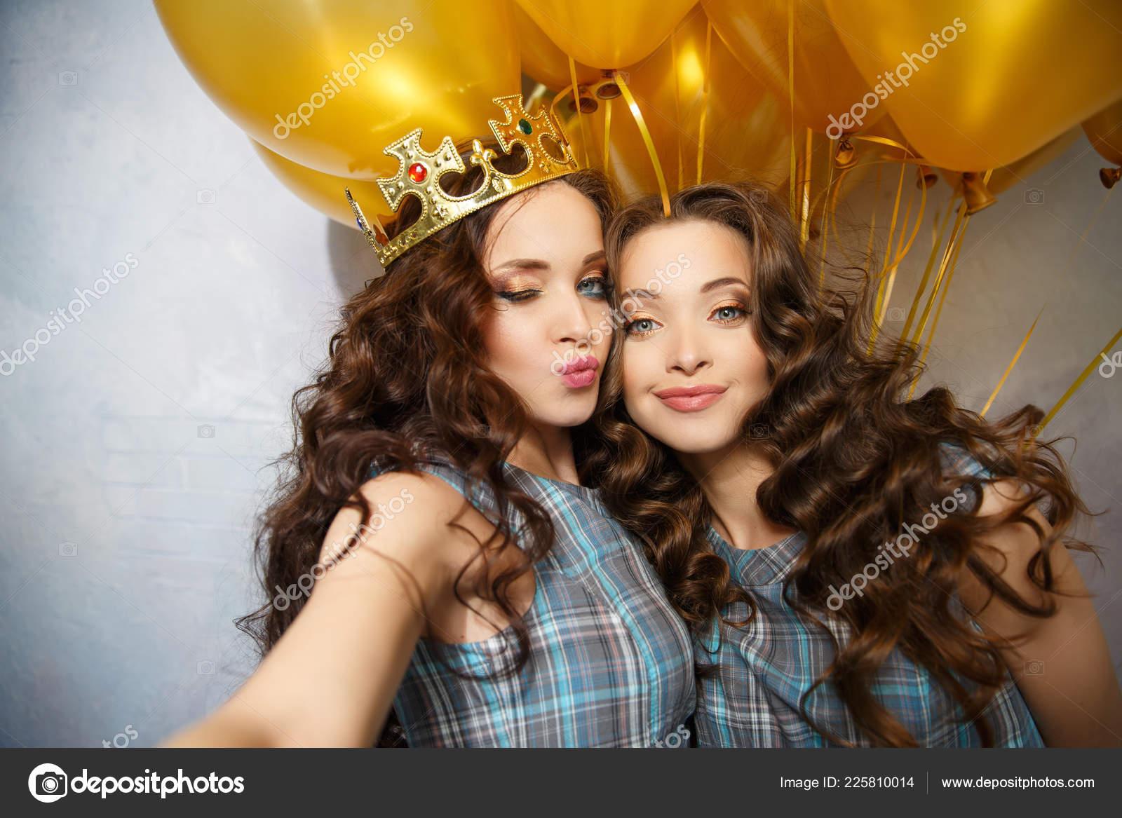 Enjoyable Girls Twins Sisters Updo Hair Partyon Background Golden Balloons Schematic Wiring Diagrams Amerangerunnerswayorg