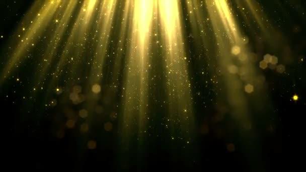 Simán eső részecskék és a patak mágikus felső fények bokeh. Fényes és csillogó részecskéket elszigetelt fekete alapon lassan oldjuk fel, a sötétben. Végtelenített