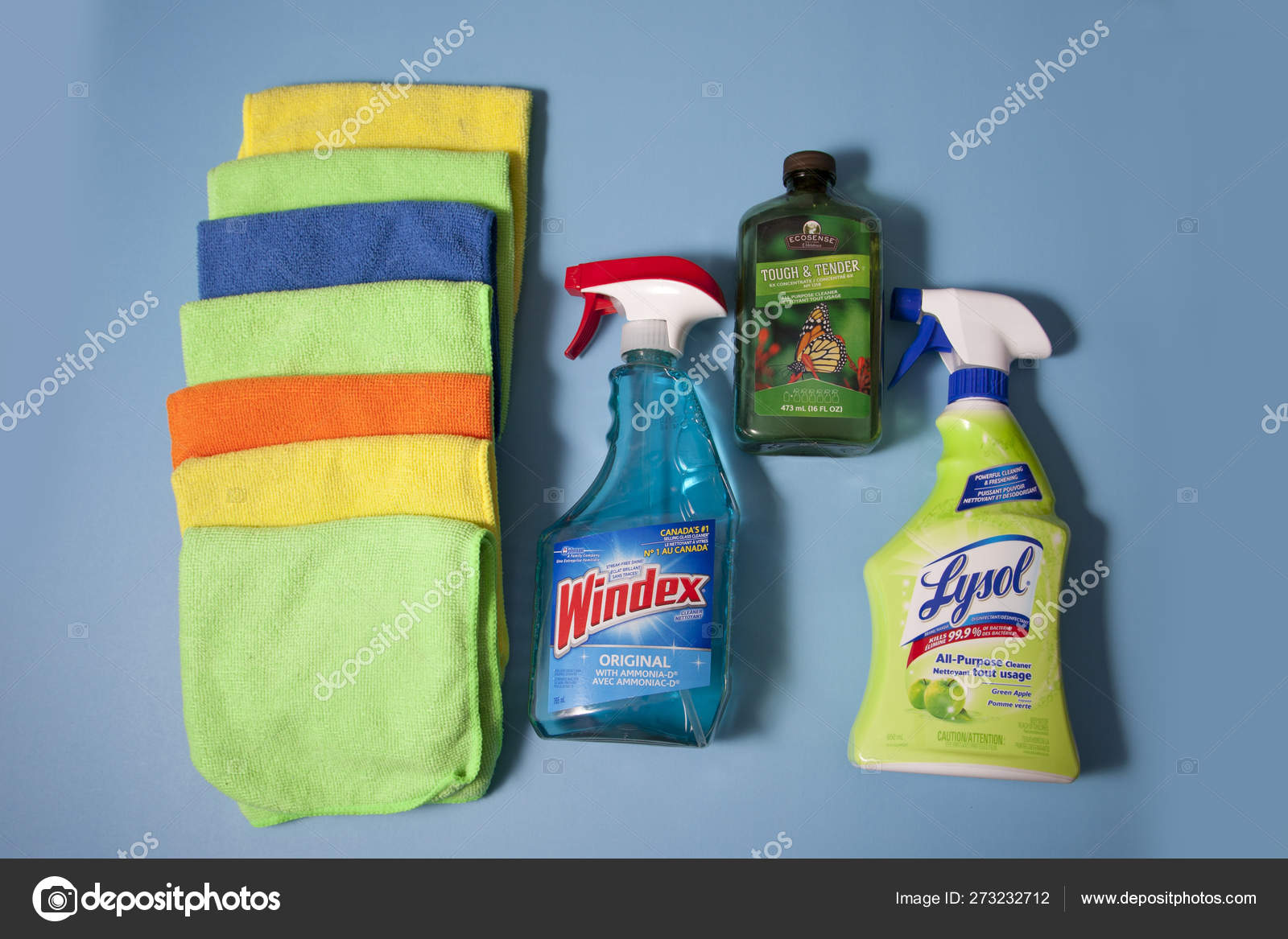 Lysol Windex And Melaleuca With Cleaning Cloths Stock Editorial Photo Rustycanuck 273232712