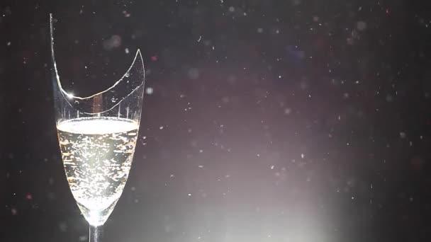 šampaňské střepy prach hd záběry