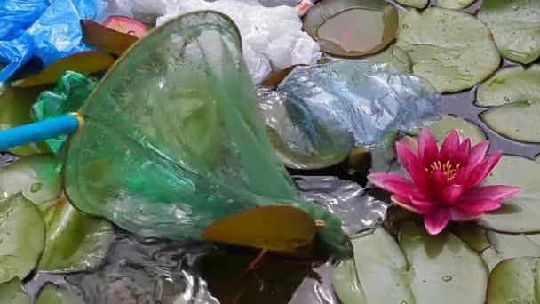 plastová láhev jezerní voda lik HD záběr