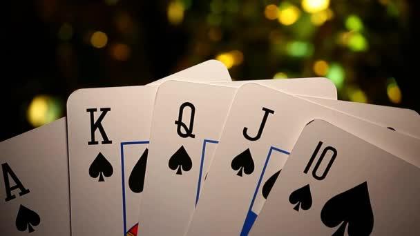 záběry herní karty tmavé pozadí