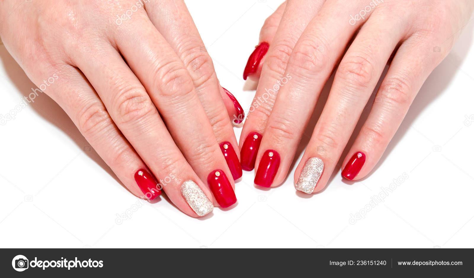 Uñas Mujer Con Rojo Hermosa Manicura Diseño Moda Con Piedras