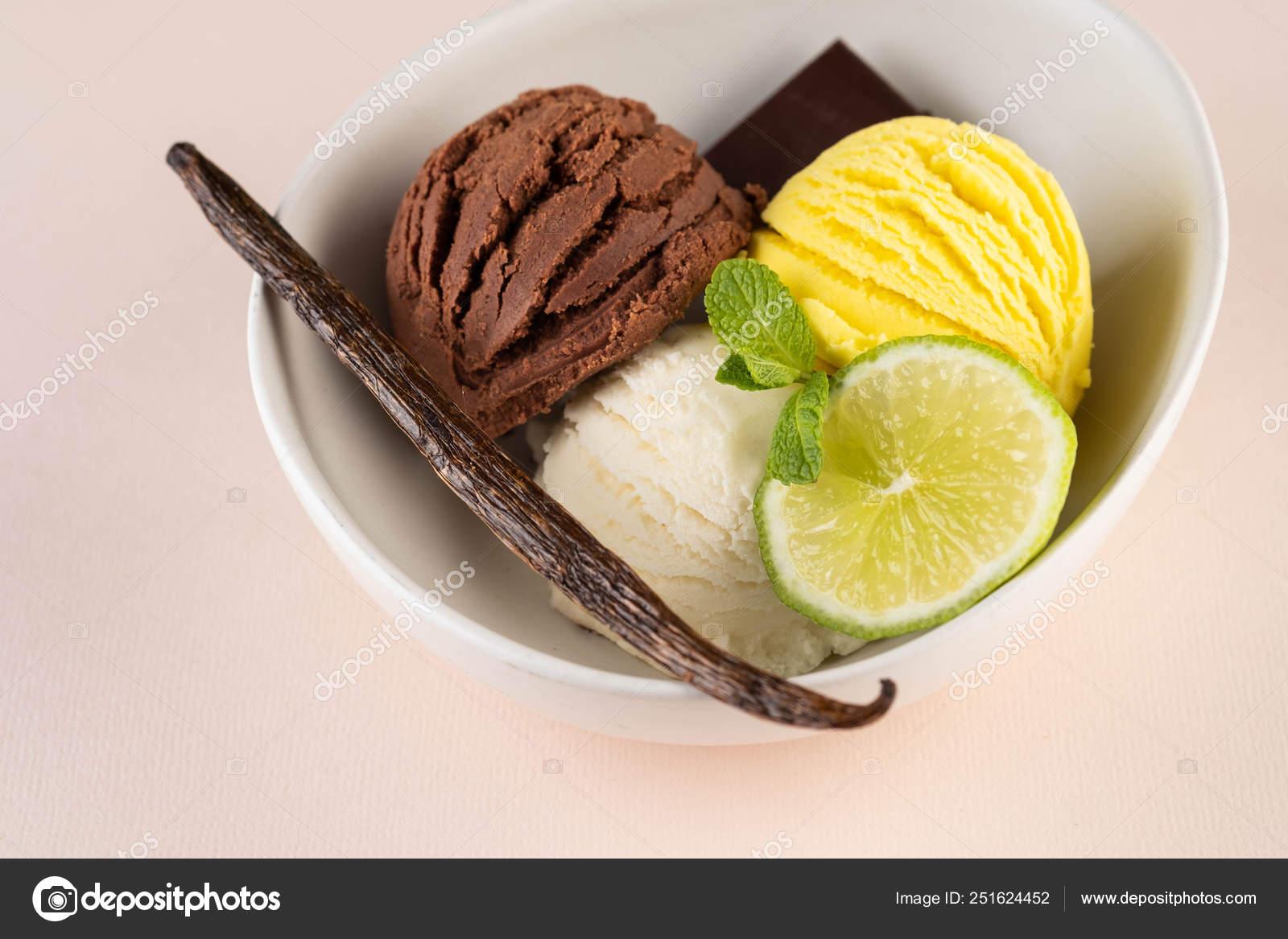 Trío de sabroso chocolate vainilla y limón con sabor a postre ...