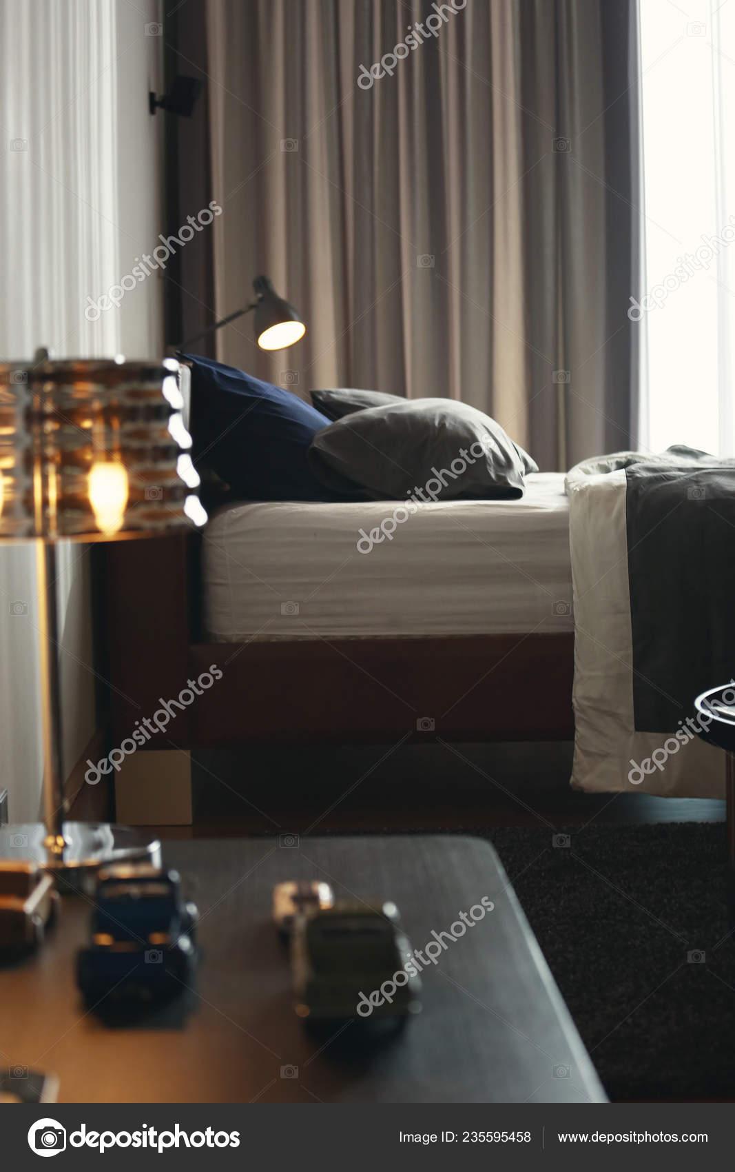 Attrayant Earth Tone Bedroom Used Dark Green Dark Blue Color Pillow U2014 Stock Photo