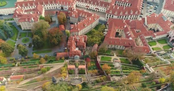 Panorama Prahy, pohled shora na panoráma Prahy, oblast starého města, Pražský hrad a řeku Vltavu, Česká republika, Praha