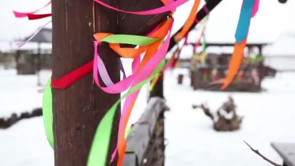 Barevné stuhy ozdobit dřevěných pavilonů v zimní dovolená, Vánoční dekorace