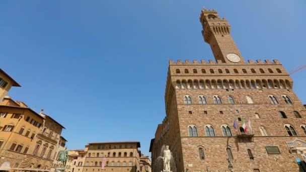Neptunusz szökőkútja a Palazzo Vecchio Firenze közelében, Olaszországban. Firenze városháza