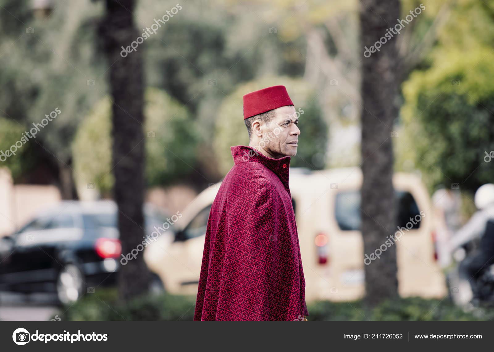 Marrakech Déc Jeune Marocaine Homme Habillé Costume Traditionnel