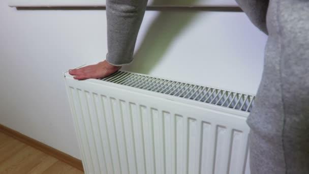 Žena kontrolu Radiátor topení