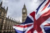 názorově koncept - dvojitá expozice vlajky a Westminster Palace s Big Ben
