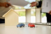 Realitní makléř bytový dům a auto pronajmout výpis smlouvy
