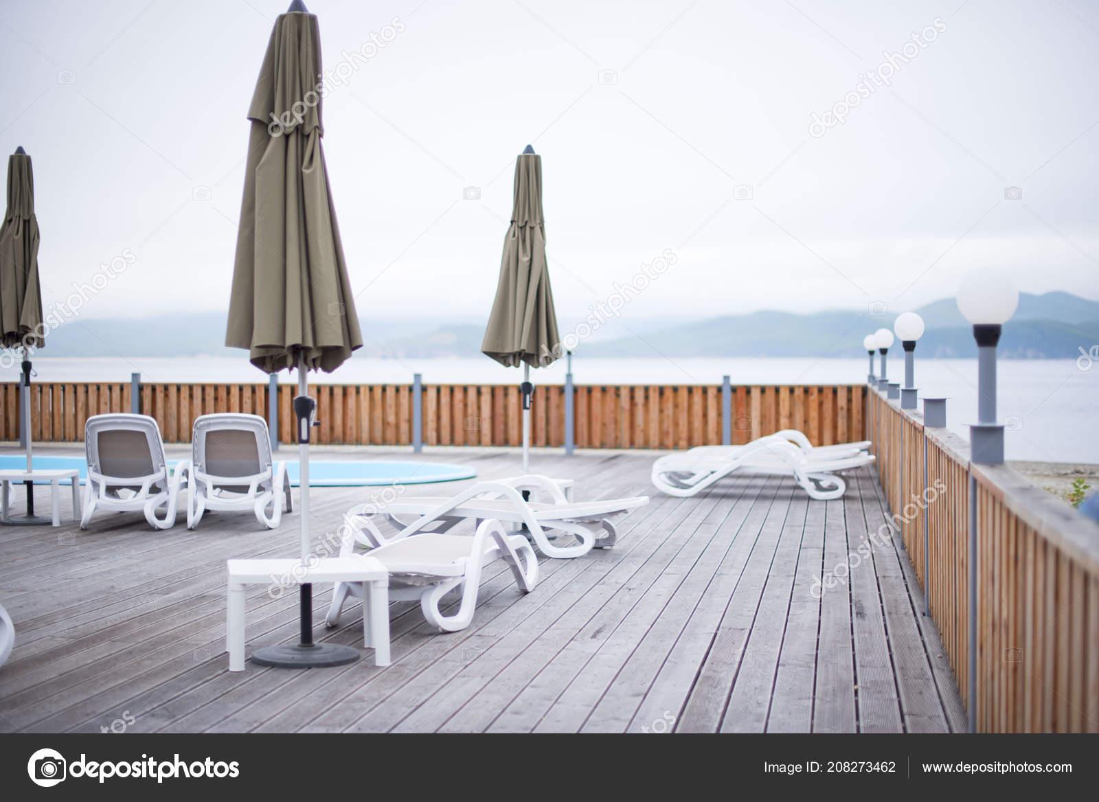 Deck Madera Playa Mar Ocean Resort Sol Tumbona Paraguas