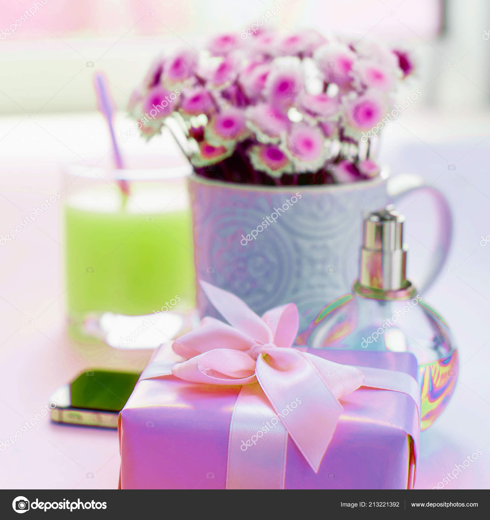 73d5f359071 Σουρεαλισμός Σύνθεση Επίπεδη Lay Δώρο Για Μια Γυναίκα Σύγχρονο ...