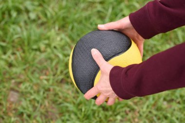 Partial view of  training with medicine ball