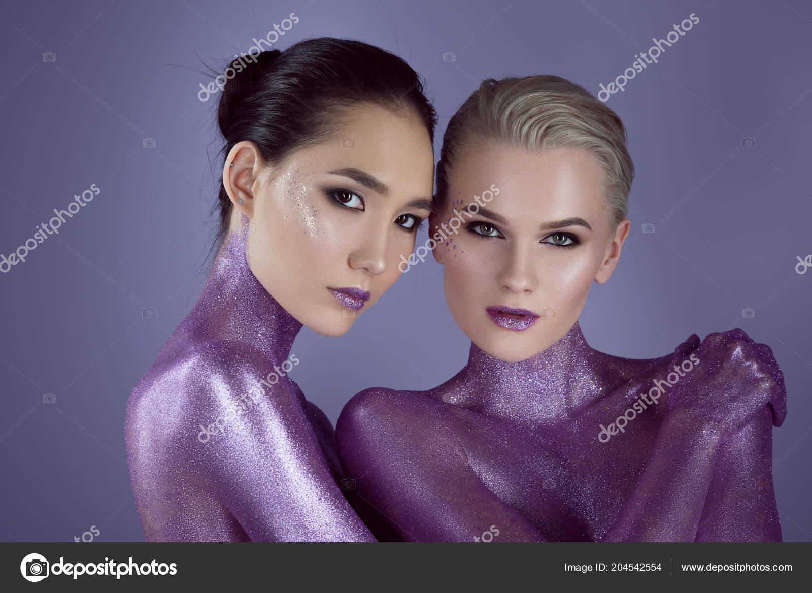 Ultra nackt Violet Sport sex