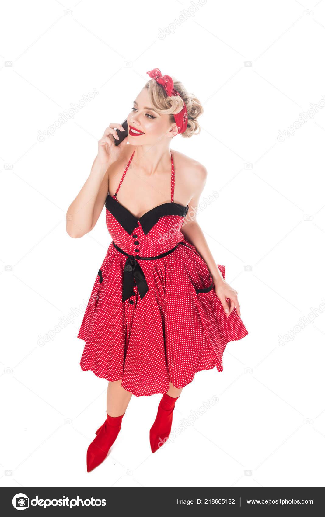 Pohled Vysokého Úhlu Elegantní Ženy Retro Oblečení Mluví Smartphone  Izolované — Stock fotografie 6ef6a3ff78