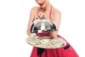 oříznuté shot pin up žena s dolarové bankovky na servírovací podnos izolované na bílém