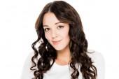 Fotografie portrét krásné usměvavé mladé ženy izolované na bílém