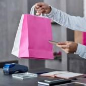 vágott lövés a gazdaság papír táskák és a hitelkártya-üzlet eladó