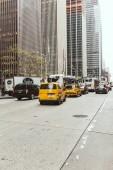 New York, Usa - 8 ottobre 2018: scena urbana con street di new york city, automobili e grattacieli, Stati Uniti dAmerica