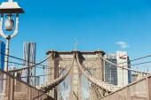 Brooklyn Bridge, New York, Usa – 8. října 2018: krásný pohled Brooklynský most na pozadí modré oblohy, new york, usa